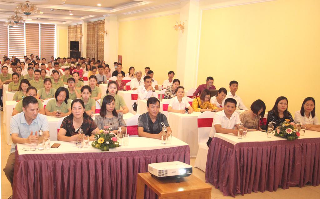 Gần 160 học viên được bồi dưỡng nghiệp vụ du lịch tại Ninh Bình