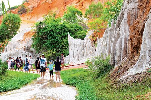 Phan Thiết (Bình Thuận): Bảo tồn và phát huy giá trị di tích, thắng cảnh phục vụ du lịch
