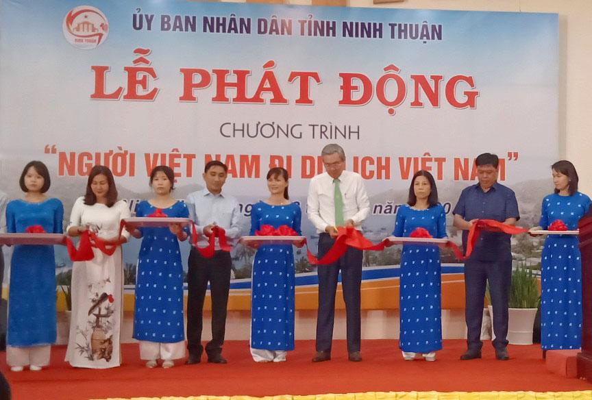 """Ninh Thuận phát động Chương trình """"Người Việt Nam đi du lịch Việt Nam"""""""