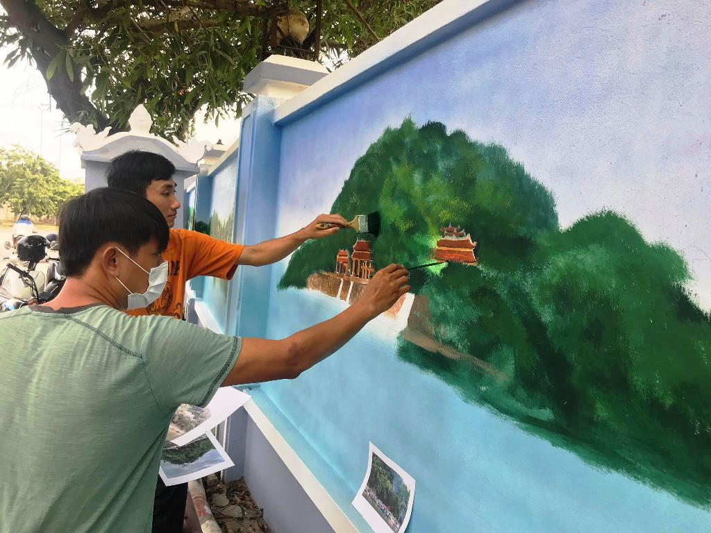 Con đường bích họa mới ở Phú Thượng, Thừa Thiên Huế