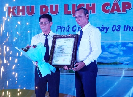 Bình Thuận: Công bố quyết định Phú Quý là khu du lịch cấp tỉnh