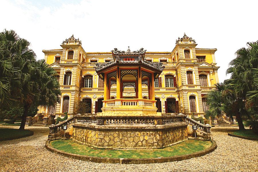 Cung An Định: Giao thoa kiến trúc Đông – Tây