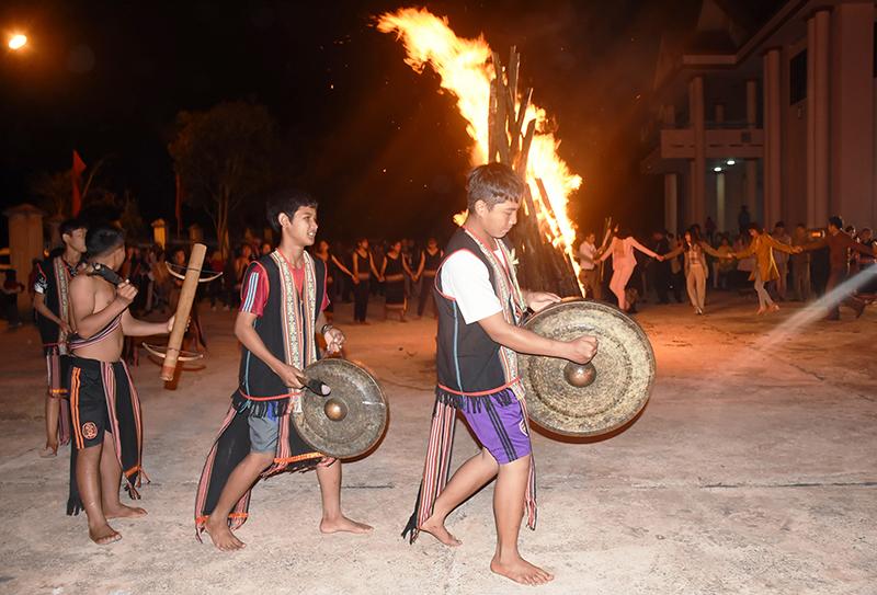 Tu Mơ Rông (Kon Tum) - Mảnh đất giàu truyền thống văn hóa