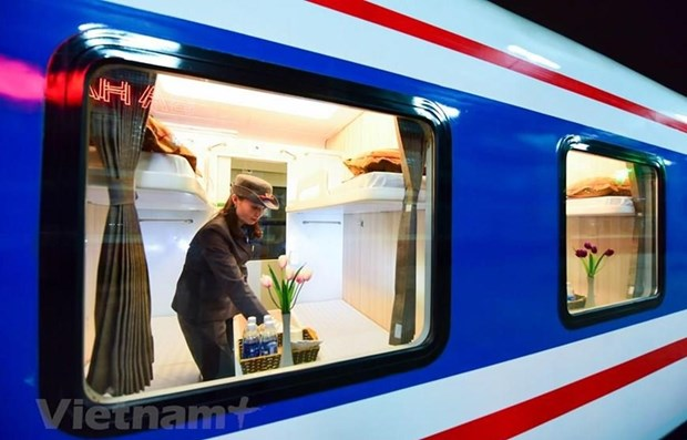 Hành khách có thể mua và thanh toán vé tàu trên điện thoại