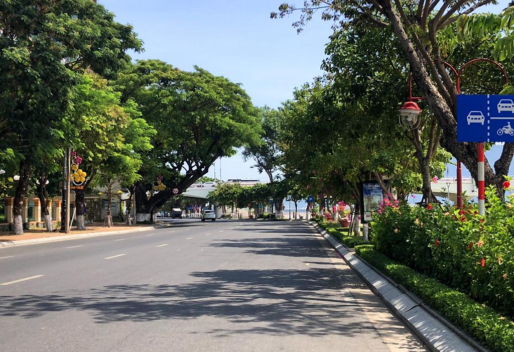 Từ 13h chiều nay 30/7: Đà Nẵng dừng việc kinh doanh tại các cửa hàng ăn uống, giải khát, kể cả bán hàng qua mạng, mang về