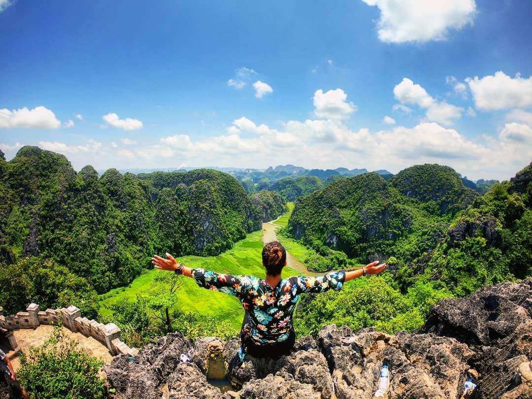 Đón chờ mùa lúa vàng trên đỉnh Hang Múa Ninh Bình