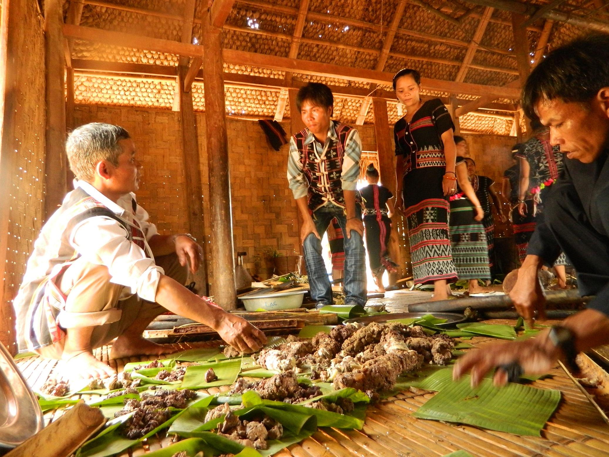 Chia phần – Văn hóa đoàn kết của cộng đồng làng Cơ Tu