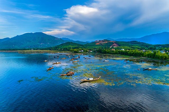 Ráng chiều Đá Bạc (Thừa Thiên Huế)