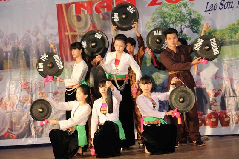 Hòa Bình: Huyện Lạc Sơn giữ gìn bản sắc văn hóa để phát triển