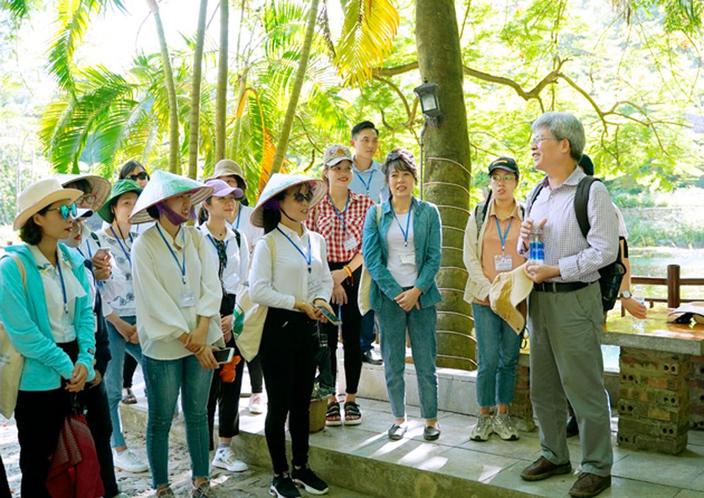 Ninh Bình: Nâng cao chất lượng đội ngũ hướng dẫn viên vùng di sản