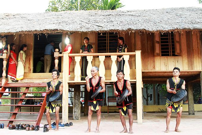Khánh Sơn (Khánh Hòa) gìn giữ nét đẹp văn hóa