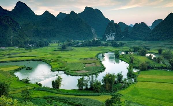 Điểm sáng mô hình phát triển kinh tế du lịch bền vững gắn với văn hóa dân tộc ở Trùng Khánh
