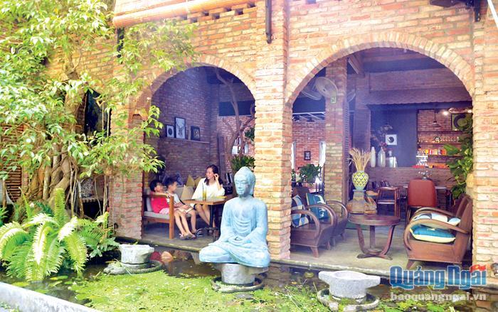 Quảng Ngãi cho phép hoạt động trở lại dịch vụ quán ăn, cà phê