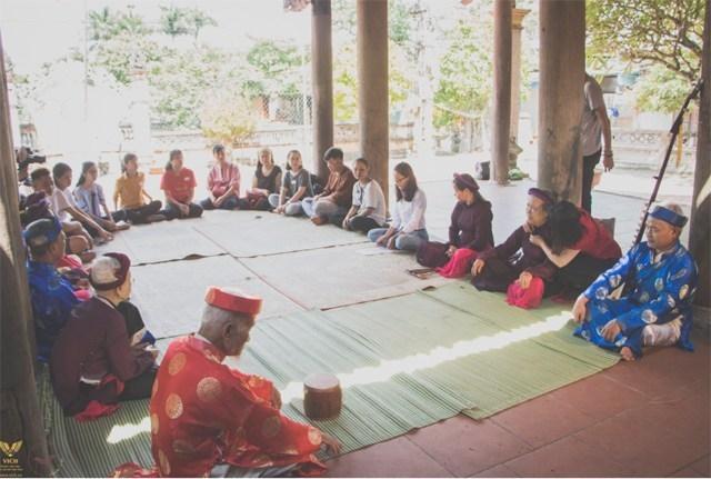 Nhà giáo về hưu gìn giữ và phát triển nghệ thuật hát ca trù Chanh Thôn
