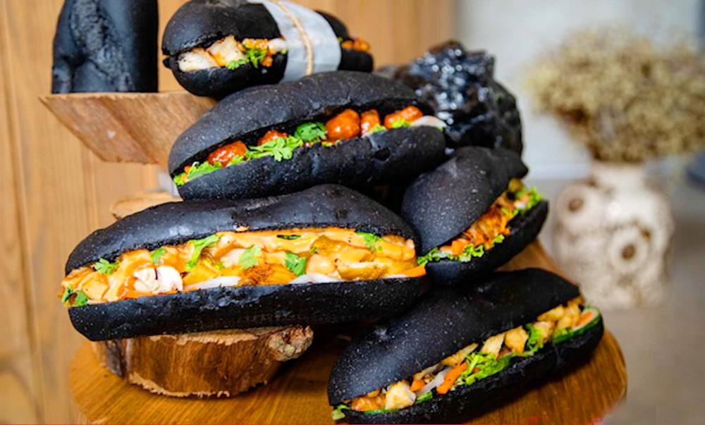 Độc đáo bánh mì đen Quảng Ninh