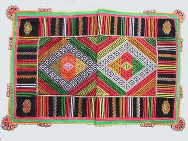 Chiếc khăn Piêu độc đáo của dân tộc Thái