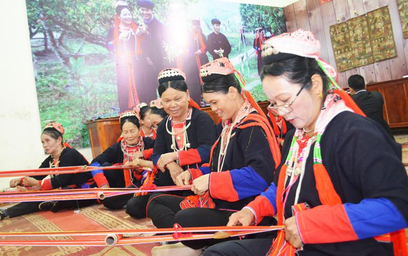 Quảng Ninh: Đầu tư các làng văn hóa dân tộc thiểu số trong xu thế hội nhập