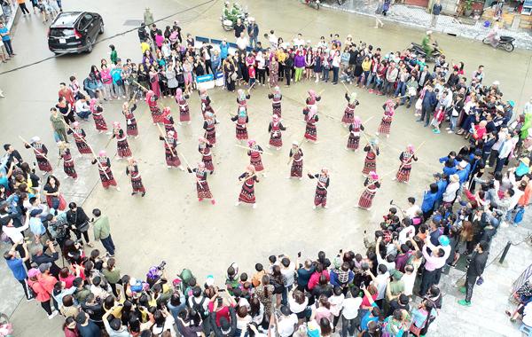 Lào Cai: Phát triển du lịch trở thành trụ cột kinh tế