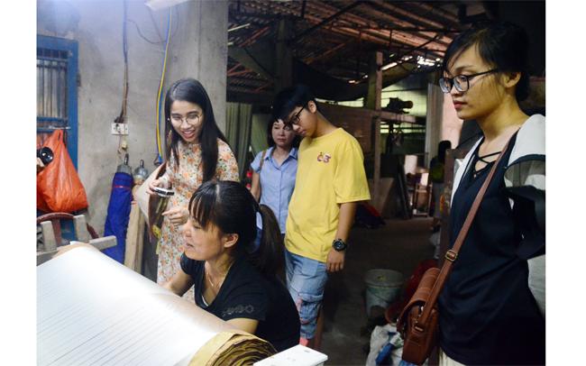 Quảng bá lụa Nha Xá ở Hà Nam qua du lịch