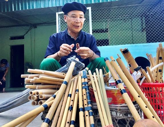 Giữ gìn thanh âm của pí Thái ở Điện Biên