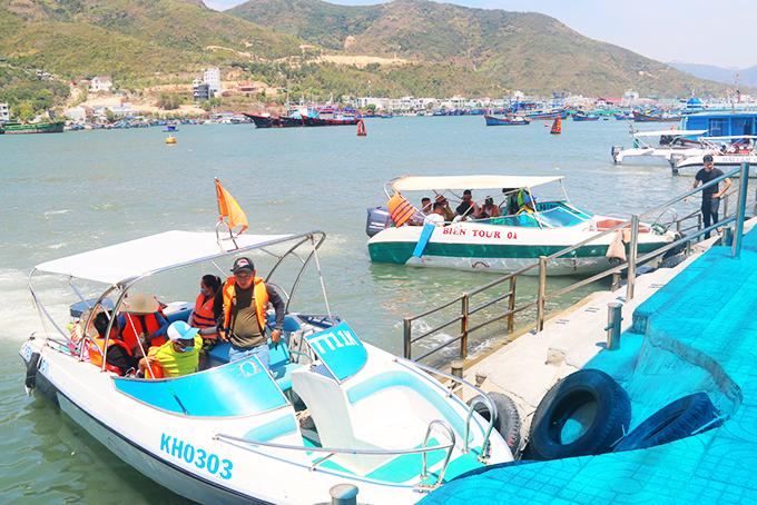 Khánh Hòa: Khách đi tour vịnh Nha Trang giảm