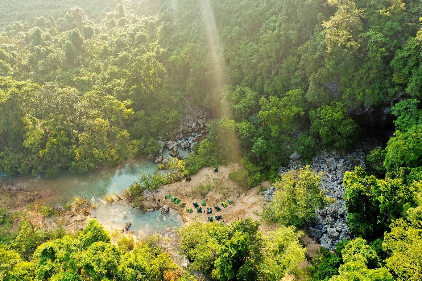 Công ty TNHH Jungle Boss (Quảng Bình) tiếp tục khai thác sản phẩm du lịch Khám phá thung lũng Ha Ma Đa – hang Trạ Ang
