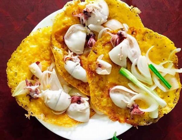 Bánh xèo mực Nhơn Hải (Bình Định)