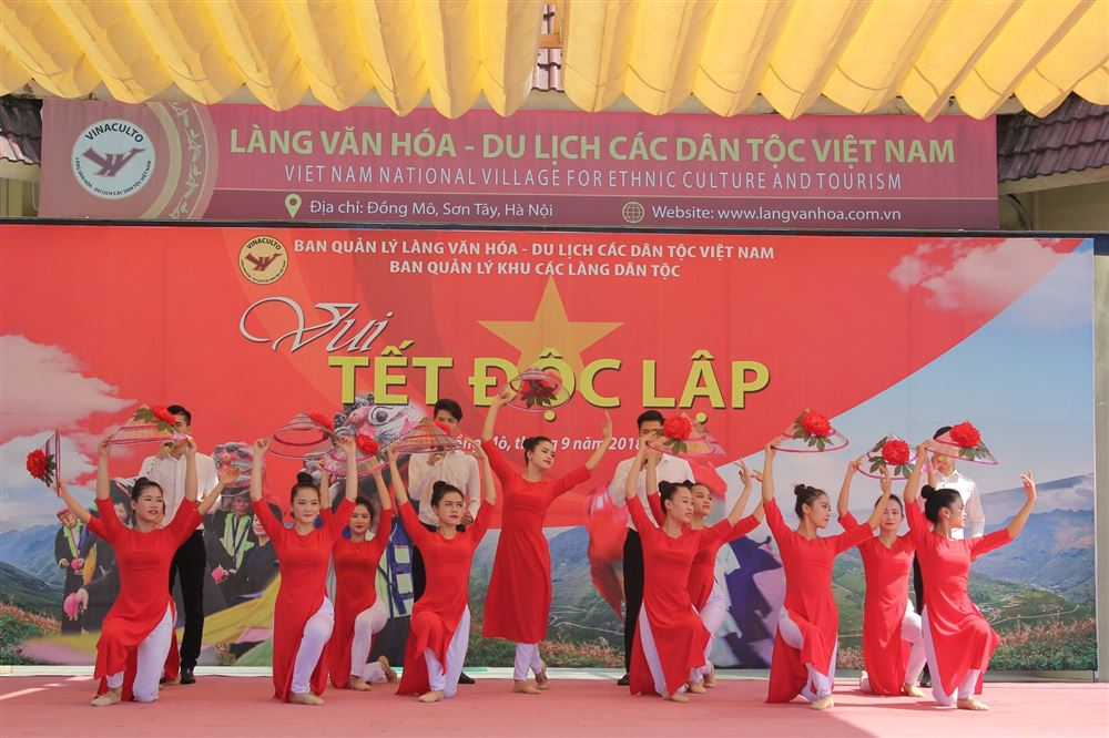 """Làng Văn hóa - Du lịch các dân tộc Việt Nam tổ chức """"Vui Tết độc lập"""""""
