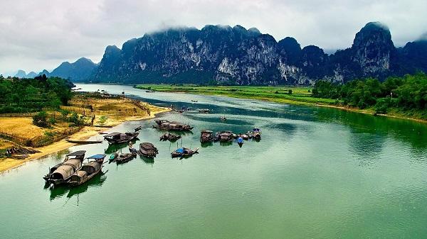 Những dòng sông thơ mộng ở Quảng Bình: Tiềm năng du lịch sông nước không thể bỏ phí