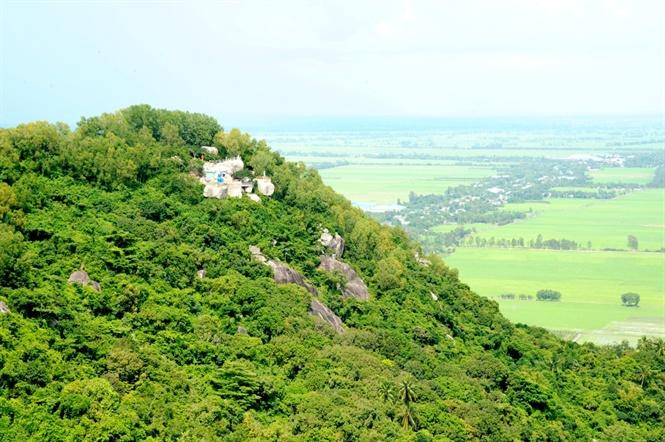 Khám phá núi Ba Thê, An Giang