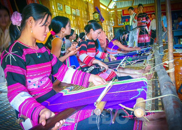 Bảo tồn và phát triển nghề truyền thống ở huyện Vĩnh Thạnh(Bình Định): Cần hướng đi phù hợp