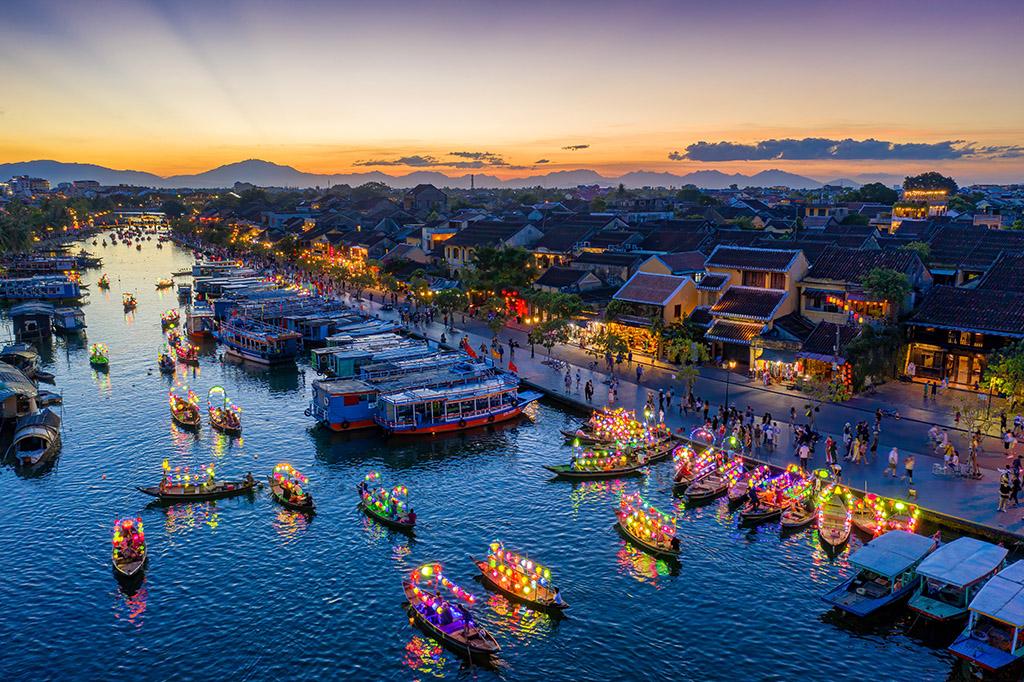 Vẻ đẹp bình yên của Việt Nam qua con mắt của các nhiếp ảnh gia