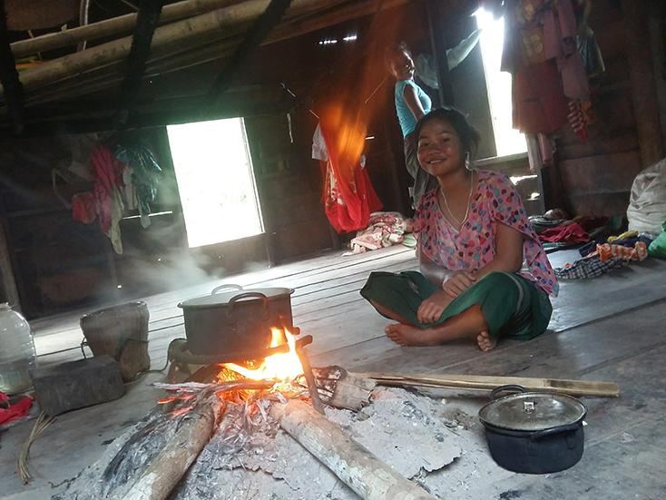 Bếp lửa-không gian mở của người Ma Coong