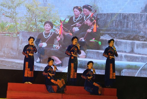 Lục Yên (Yên Bái) phát triển các đội văn nghệ phục vụ du lịch