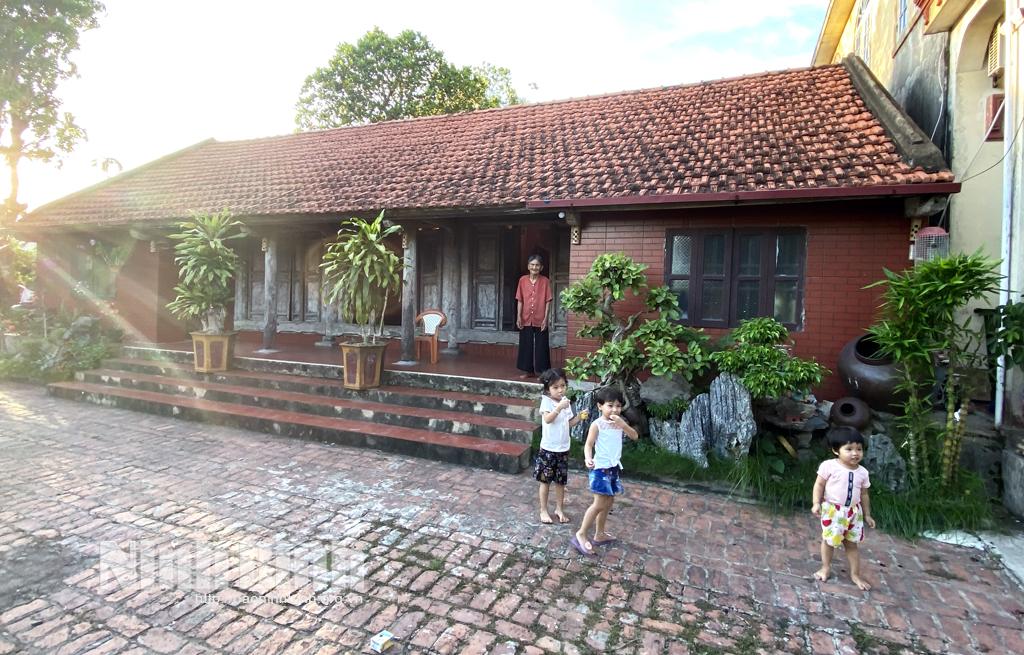 Kim Sơn (Ninh Bình) bảo tồn nét đẹp kiến trúc của những ngôi nhà ngói đỏ