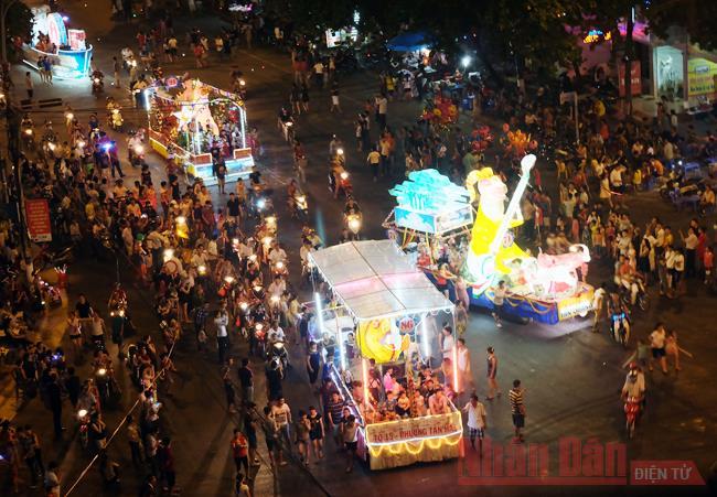 Tạm dừng tổ chức lễ hội thành Tuyên