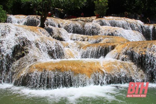 Tiềm năng du lịch từ hệ thống thác nước đẹp ở Thanh Hóa
