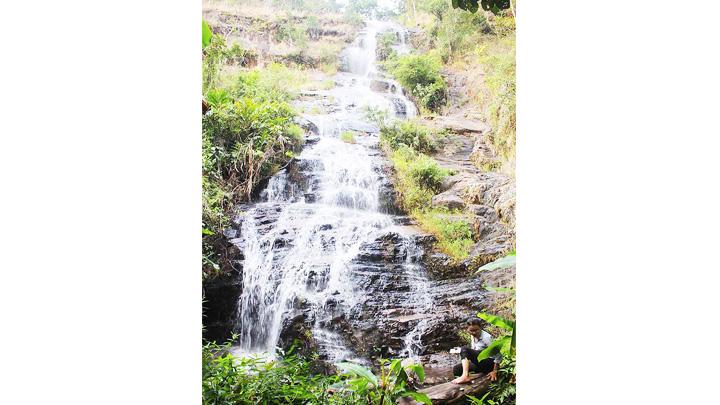 Hoang sơ cùng thác Yă Pya (Gia Lai)