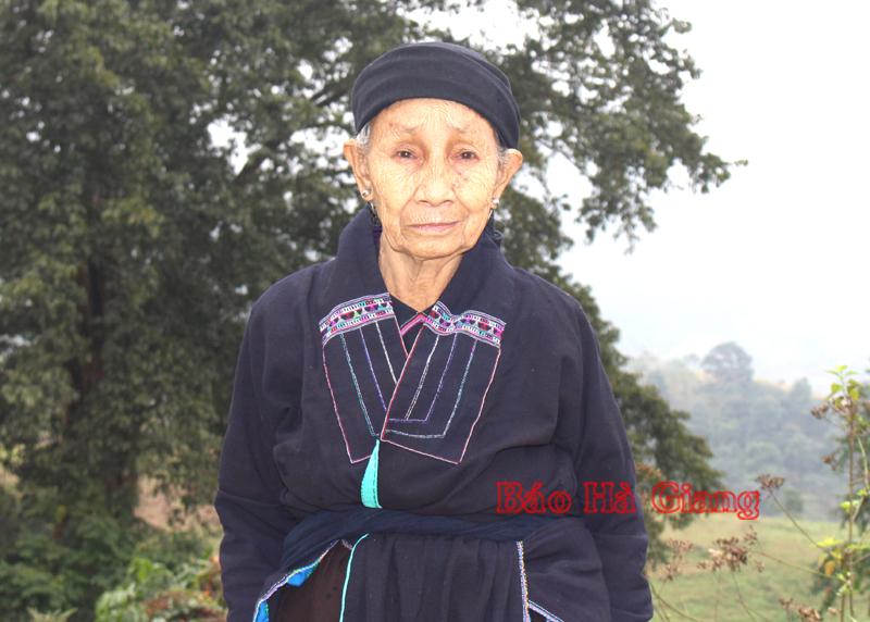 Đặc sắc trang phục dân tộc La Chí