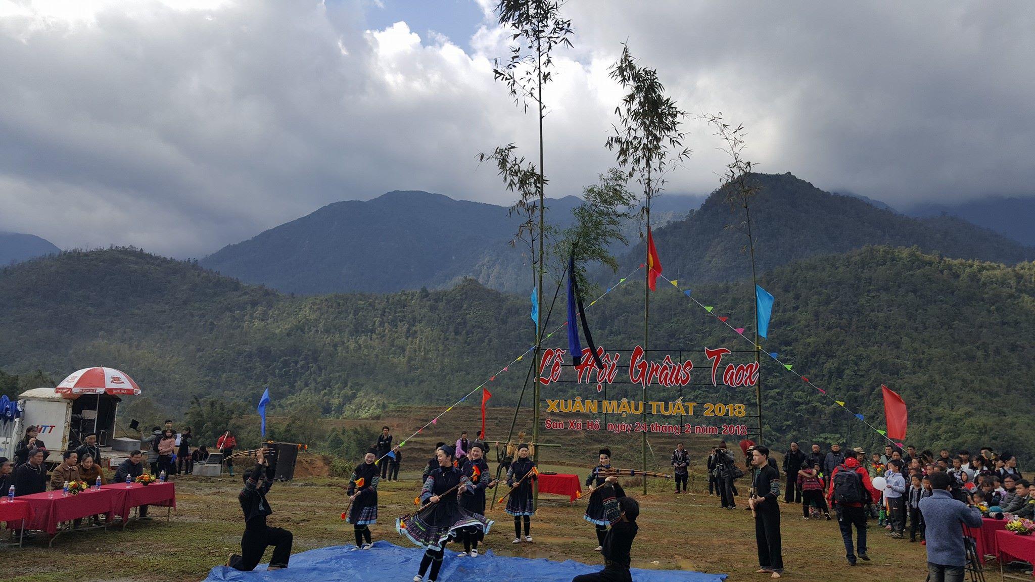 Trò chơi dân gian Lào Cai hấp dẫn du khách thời hiện đại