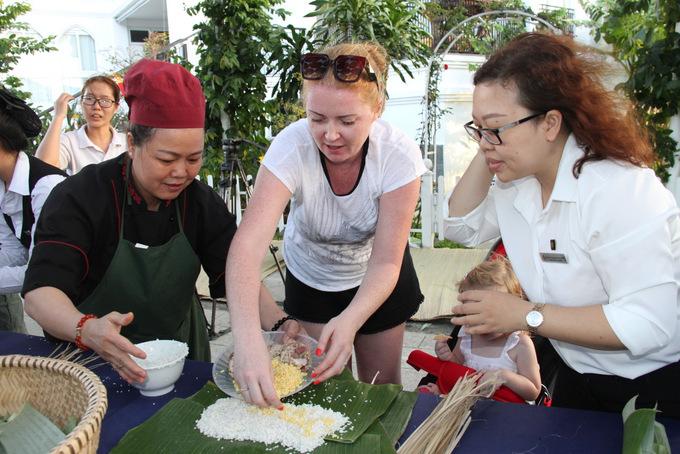 """Ngày hội """"Nấu bánh tét – Trở về tết xưa"""" tại Champa Island"""
