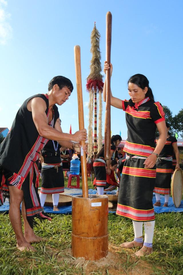 Lễ hội Tết mùa của đồng bào Bhnoong vùng cao Quảng Nam