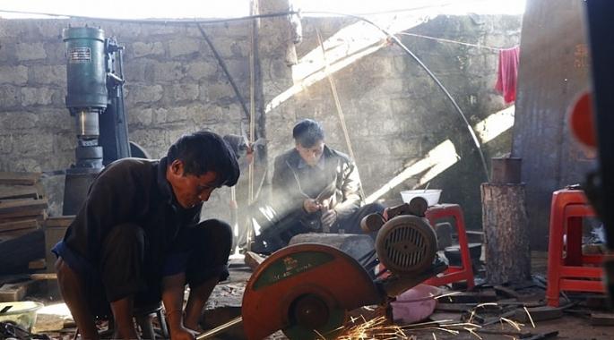 Phát triển nghề rèn truyền thống của đồng bào Mông ở huyện vùng cao Mù Cang Chải
