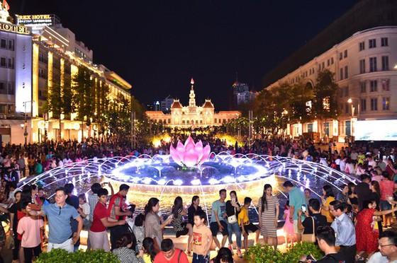 """""""Kinh tế đêm"""" là sản phẩm trọng tâm trong chiến lược phát triển du lịch TPHCM đến năm 2030"""