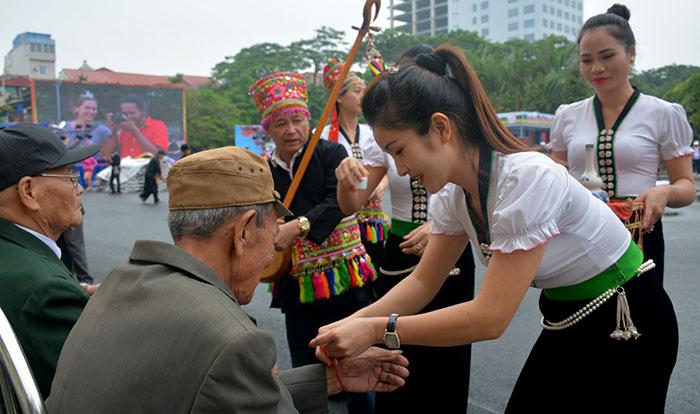 Phát triển du lịch từ bản sắc văn hóa dân tộc ở Điện Biên