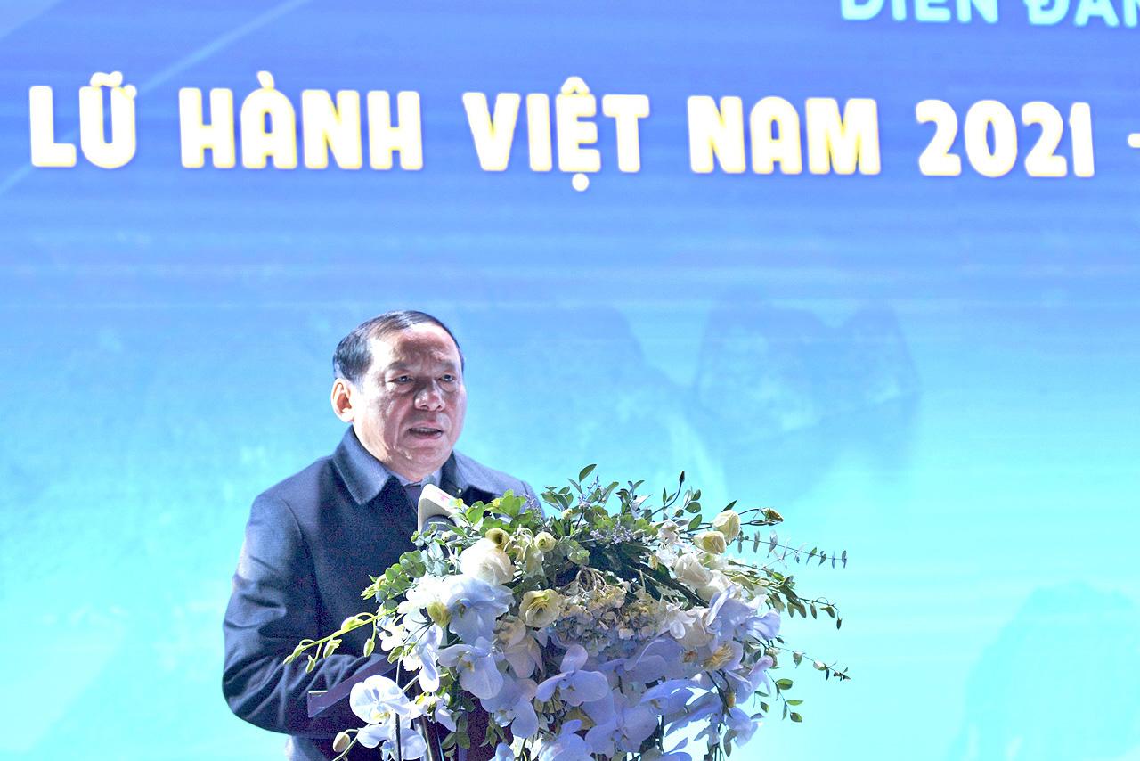 Thứ trưởng Nguyễn Văn Hùng: Các doanh nghiệp lữ hành cần đổi mới phương thức quản trị, đẩy mạnh chuyển đổi số, chuẩn bị lực lượng để phục hồi, phát triển bền vững