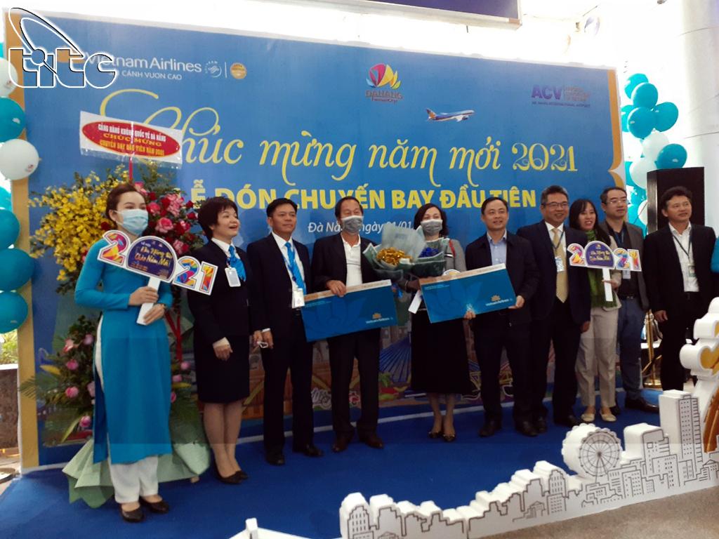 Đà Nẵng đón chuyến bay đầu tiên trong năm 2021