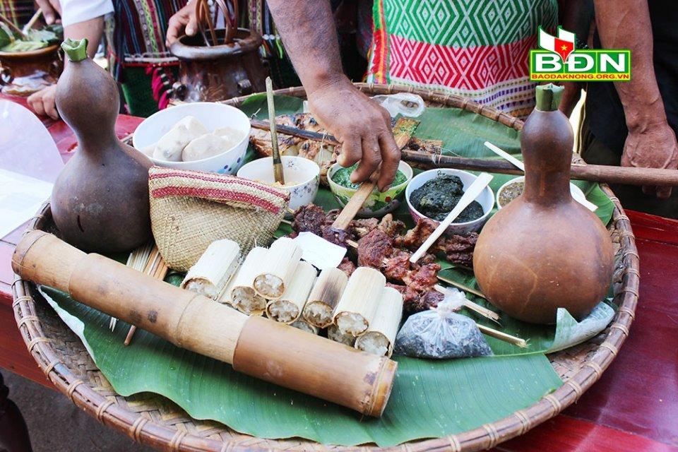 Củ mài trong đời sống ẩm thực của đồng bào M'nông ở Đắk Nông