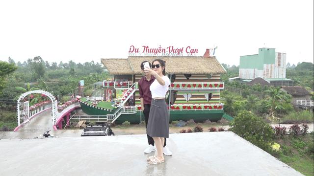 Độc đáo điểm du lịch du thuyền vượt cạn tại Sa Đéc- Đồng Tháp