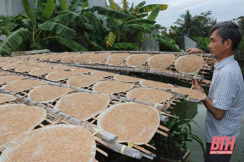 Giòn thơm bánh đa dừa xứ Thanh